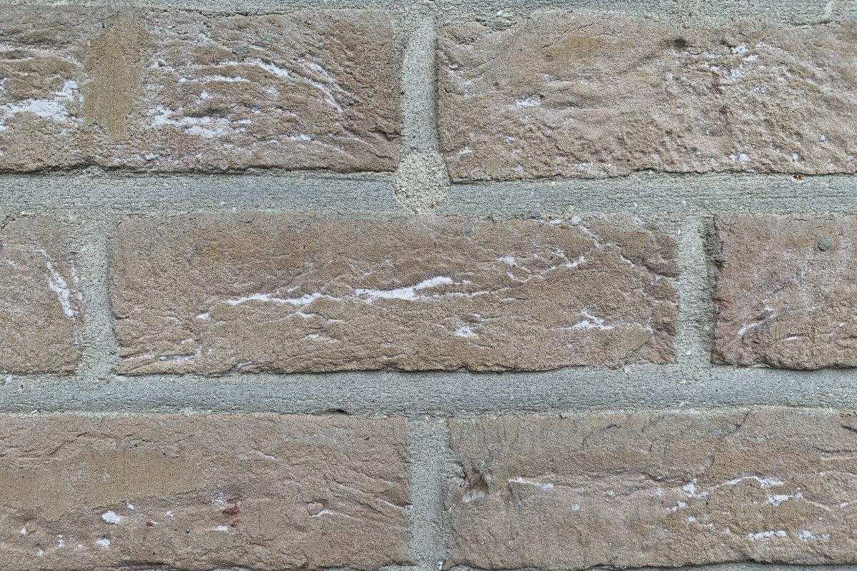 Comment Isoler Son Garage Moindre Cout la mousse polyuréthane en isolation des murs creux
